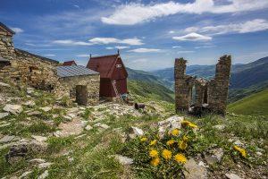Ломиси — трек к монастырю Ломиса (3.5 км в одну сторону с набором высоты 1 км)
